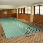 Oakville Condo - Pier 12 102 bronte road indoor pool